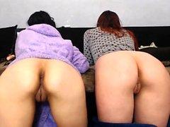 Redhead macht professionelle Massage zu einer lesbischen Brünette