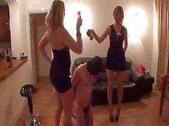 damas cruel divertirse con un esclavo de