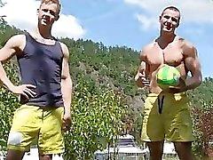 Rotura del condón el porno gay Público Sexo anal y al aire voleibol !