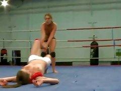 Reizvoller Brünetten Wrestling