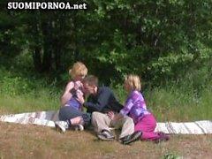ulkotiloissa 3some julkisesta rannalla suomalaisia suomipornoo finnporn