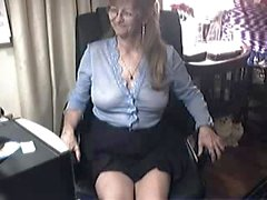 Dirty mom is super horny 6sext