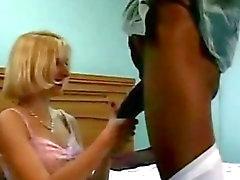 Mr 18 Cm a Tony a Duncan Cuckold Mi esposa Toma un gran Negro Verga Mientras yo Cine