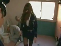 La police féminine qui travaille dans une prison
