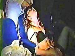 Hidden cam vangt geile paren op de porno theater met hete sex