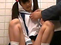 Jav adolescente Estudante travado em Toalete velha gua