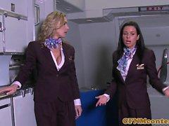 Stewardess cfnm babe analfucked auf dem Flugzeug