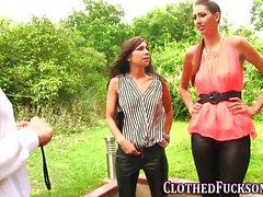 Glamour clothed les taste