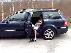 Fahişe Almanca kızıl saçlı araç içinde ve ev emmek