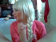 Blonde mit der Sense