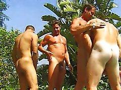 Action en Cocksucking à la piscine