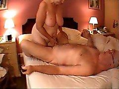 avó massagem punheta