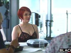 Blacked Bree Daniels Primera BBC en el culo!