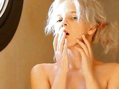 Scheren van mooie 18yo blonde kut