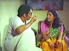 Mallu aunty tieten genoten door hebzuchtige oom