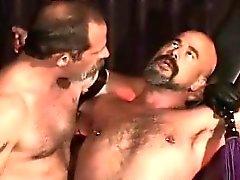 Скверный Kinky геев приобретает кабалы и попадает