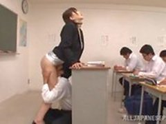 студентом вылизывать ей учителя в классе