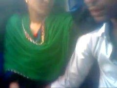 Bangladeshi Liebhaber in Bus
