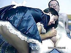 Painostava Maria pukeutunutpiika ja ratsastuskukko
