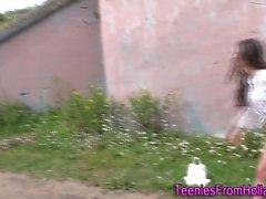 Dutch ль подросткам на улице