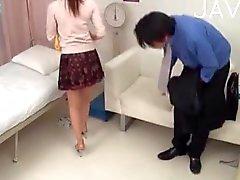 Busty азиатская медсестры Дразня