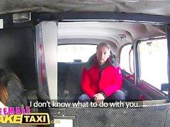 Weibliche Fake Taxi Sexy Fahrer saugt und fickt fare zu bekommen sogar