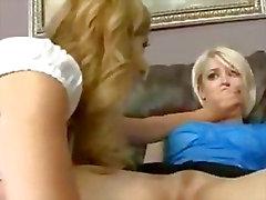 Babe Lesbian aux Seins Baillonée et Punished cinéma -07
