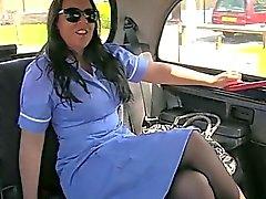 Медсестра любитель шантажируют ее на такси