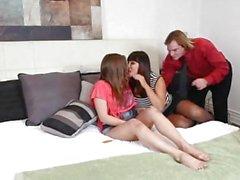 Эшлин Ли любит, как Авы Devine показывает ей чтобы понравиться человеку фарш