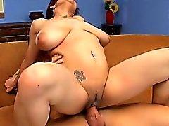 Большая грудкой Latina Ана Паула получает ударил жесткие и стонет от от удовольствия