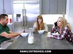 FamilyStrokes - adolescente atractivo Zoe ama a su stepdads Gallo