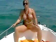 Belle-mère sur le bateau
