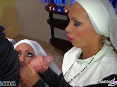 Jessica Jaymes - Mick fickt Jessica und Nikki in der Kirche