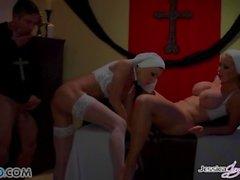 Jessica Jaymes - Mick foda Jessica e Nikki na igreja