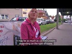 PublicAgent Kurzhaarige blonde Lenna fickt für einen Teil in einem gefälschten Film