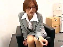 зрелого преподавателем Сацуки kirioka висио телок gropped в период встречи выпускников поддельного