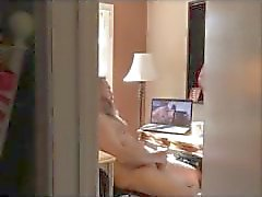 Coincé Matures porno observation