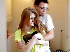 Amerika Creampie bir kız Faye Slutty kızıl saçlı Dani'yi eğiten