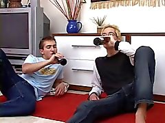 Sexy blonder Homosexuell Pleasures Seine Boy