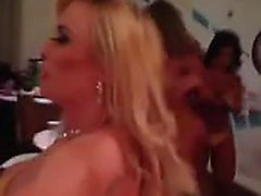 Brasilianare Sluts på konkurrens Skip BumBum 2013