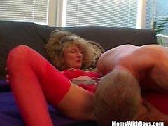 Blonde Tatoué Pussy Pierced Mature Fucked