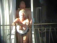 Sex und Balkon (Voyeur erwischt)