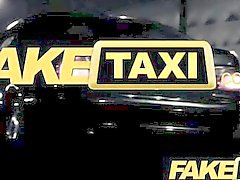 FakeTaxi - turístico española con el taxi grande pene