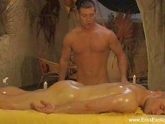 Glada anal massage älskare