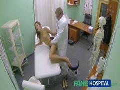 Koca memeli bir FakeHospital Hot girl squirting önce doktorları bir tedavi alır