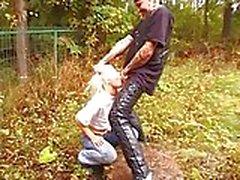 uomo brutale e adolescente 18anni