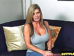 Blond Gets ein Epos Kamera mit Zoom Orgasmus