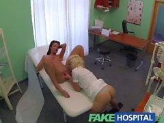 FakeHospital Doktoru ile dadı hastalar ıslak kedi keyfini çıkarın