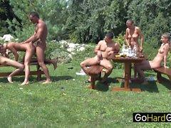 Chez colette Garden party cadre trois
