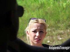 Блондинка выебанная жесткий в фургоне
